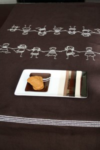 chemin de table chocolat ribambelle enfants blanc